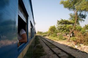 Rondje Yangon met de trein
